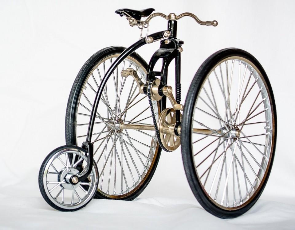 U okviru projekta ''BA biking'' Grad Križevci Vas poziva na otvorenje izložbe ''Biciklom u povijest''